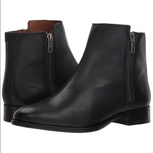 NEW Frye Carly Double Zip Booties in Black Leather